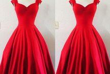 Krátke šaty na maturitný ples