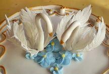 Gum paste swan