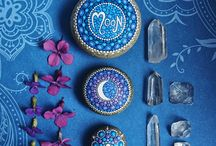 Painted stones / by Art of the Pie®