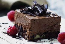 Chokolademousse med nøddebund