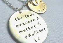 Mother's Jewellery / A collection of women jewellery