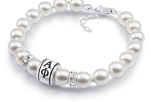 Alpha Phi Jewelry / The Alpha Phi Sorority has been focused on the ideals of character, loyalty, service and spirit. Our Alpha Phi sorority beads, bracelets, and charms should be worn with pride by those who represent the organization. Past or present members will love wearing these charms to show their commitment to the sisterhood.