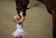 Child & Animal. / Leuke kiekjes van kinderen met dieren . / by Lien Duin