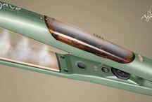 Agave Vapor Iron: l'esclusiva piastra a vapore di Bio Ionic / Dalla tecnologia ionica, Bio Ionic crea la nuovissima piastra Agave Vapor Iron, un nuovo Servizio Speciale per il salone. Visitate il nostro sito www.bioionic.it