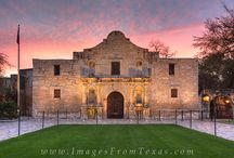 San Antonio Photography / Enjoy photographs from San Antonio, Texas, including scenes from the Riverwalk, the Alamo, as well as some skyline views.