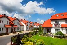Domy jednorodzinne / Najciekawsze domy jednorodzinne wolnostojące i bliźniacze budowane przez deweloperów w Polsce. Inspiracje ze strony www.smbmaki.pl oraz wiele innych ciekawostek!