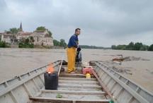 Garonne - crues/floods / Dame Garonne en crue / The Garonne in flood / by Fiona Manson