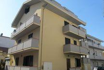 PINETO - VILLA ARDENTE / In piccola palazzina senza condominio a pochi mt dal mare e dai principali servizi...