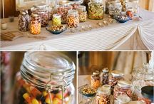 Wedding Showers / by Mickelle Johnson
