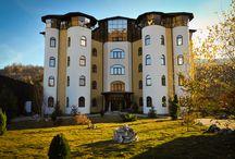 Hotel - Castelul de Vis / Hotel - Castelul de Vis este situat in incinta Complex-ului Casa de Vis.