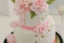Peaches and Pink Wedding Cakes