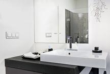 Badkamer muurverf / De badkamer is vaak een erg vochtige plek. Dit betekend dat u niet zomaar een muurverf kunt gebruiken hiervoor. Neemt u contact met ons op voor vrijblijvend advies.