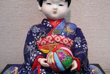 KIMEKOMI & TEMARI BALL- KOKESHI DOLL