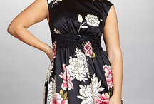 Mode - Curvy Flowers dresses / robe d'été à fleurs ou pas