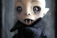 Puppets / Collections of handmade puppets.