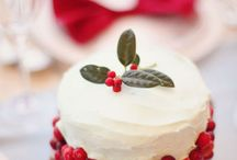Holly & Cranberry Mini Cake