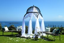 Wedding Venues / In and around Cape Town you are destined to find the perfect venue to host an unforgettable wedding day. Here you are sure to find your perfect fit; with venue landscapes such as garden, wine estates, an ocean view and so much more