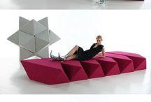 Furniture - art of living - bijzondere meubels - ontwerpen die stáán - toegepaste kunstvormen - meubelobjecten - toegepaste kunst / Leven en schoonheid met elkaar verweven. Makes me feel good. Furniture - art of living - bijzondere meubels - ontwerpen die stáán - toegepaste kunstvormen - meubelobjecten.