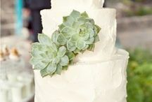 White and Sage Wedding Theme / White + Sage = a match made in heaven! We love this theme idea!