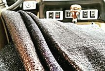 Washed metallic (and not) leather / In many articles our job is not finishing when we put a metallic foil on the skin. To improve sometimes the touch or to give a special effect at the finishing of the leather we use to wash it.