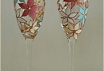 taças decoradas com flores de coladas