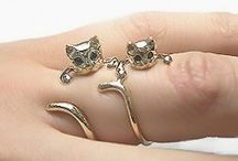 Accessories / Cats on my fingers, OMG