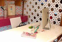 Office - Escritório de Blogueira / Os Escritórios das blogueiras parecem ter saído do Pinterest. Quer se inspirar? Então vem conferir. Visite www.thyaraporto.com/blog e confira ótimas dicas para decorar a sua casa.