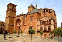 España / Sigue a Vega y descubre rincones fascinantes de nuestro país.