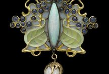 Vintage Costume Jewelry Pins and Brooches / Vintage costume jewelry pins from ever era and style!