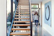 Escaliers / Ne sous-estimez pas les escaliers! Les escaliers peuvent apporter une touche design inusitée et intéressant à tout décor. Consultez nos idées déco pour les escaliers. On vous propose de l'inspiration pour faire ressortir les escaliers dans votre maison!