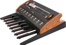 Keyboard & Synth / Tastiere e Sintetizzatori