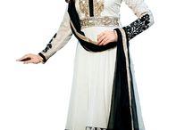 costume Anarkali / est un matériau de robe la plus élégante et traditionnelle de la femme moderne qui préfère regarder encore à la mode traditionnelle . Il vient dans diverses conceptions différentes comme le style A- coupe et V profond col .  http://www.andaazfashion.fr/salwar-kameez/anarkali-suits