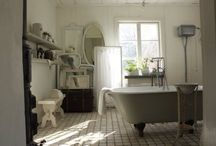 Bathrooms / by Tammy Griffin