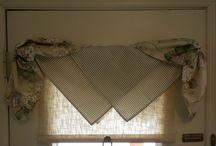 one corner window decor