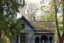 BLACK <> HOUSES