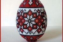 Яйца связаны бисером...