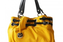 Fashionbags / Je wil niet altijd met iets rondlopen dat tien anderen hebben. Jij wil iets exclusiefs. Iets moois. Iets waarmee je opvalt. Dat zijn onze tassen. Exclusief geïmporteerd uit Italië en prachtig design