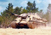 WW2 - JAGDPANTHER / Jagdpanther – niemiecki niszczyciel czołgów czasów IIWŚ. Zbudowany na podwoziu czołgu Pantera uzbrojony w armatę PaK 43 kal. 88 mm - KwK 43.