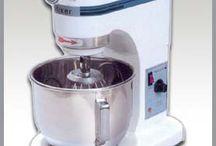 MÁY TRỘN BỘT / Máy trộn bột 10 lít, 20 lít, 30 lít, 60 lít...sử dụng trong công nghiệp làm bánh, tiệm bánh, xuất xứ Malaysia. LH 0902 680 199 (Mr Kiên)
