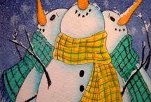 lumiukot katsoo kuuta