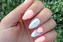 Gel nails designe