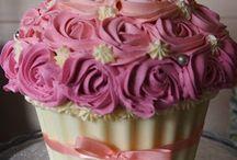 Big Cupcake Ideas / Giant Cupcake Idea