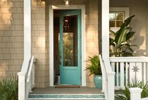 Front Porch and Yard / by Niki Smith