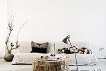 tetszik / Fal, padló, fadarabok, mint asztal, szék, polc, stb..
