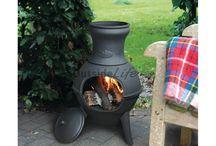 Vuur in de tuin / Vuur in de tuin is niet alleen lekker warm maar ook sfeervol en gezellig. Het is heerlijk om een avond buiten te zitten, kijkend naar het knisperende vuur en het voelen van de warmte. Ook tijdens de donkere winteravonden geeft een vuurtje prachtige lichteffecten die je tuin een feestelijk aanzien geven. Een prachtige vuurschaal, vuurkorf, tuinkachel of tuinfakkel is een absolute aanwinst voor je tuin.