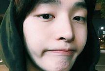 Yoon Jisung (윤지성)