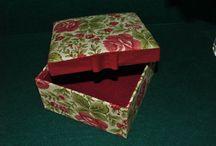 Caixas / Faço caixinhas para todos os gostos e para todas as ocasiões. Miminhos para oferecer e surpreender a quem você mais gosta :)