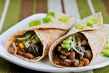 Recipes to Try: Slow Cooker / by Christi Spadoni
