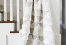 Grey Quilt / Beautiful grey quilt ideas for a pink room
