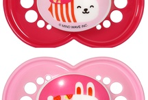 MAM Soother Design / MAM believes in function and design. Here all the brilliant designs we have on our soothers. Pin which designs you like.
